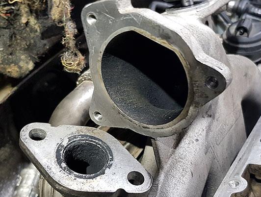 Motor po profesionálnej dekarbonizácii